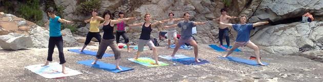 emprender_negocio_al_aire_libre_clases_de_yoga_mprende.es